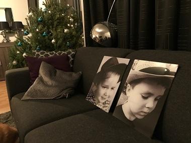 Foto op ECHT glas  |  kids zwart/wit portret